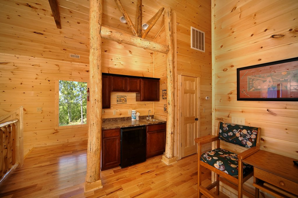 Photo of a Gatlinburg Cabin named Lumberjack Lodge - This is the eleventh photo in the set.