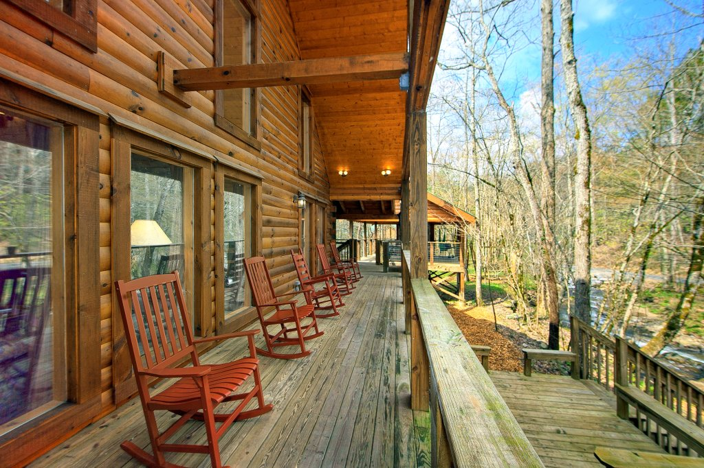 Photo of a Gatlinburg Cabin named Creeksong - This is the ninth photo in the set.