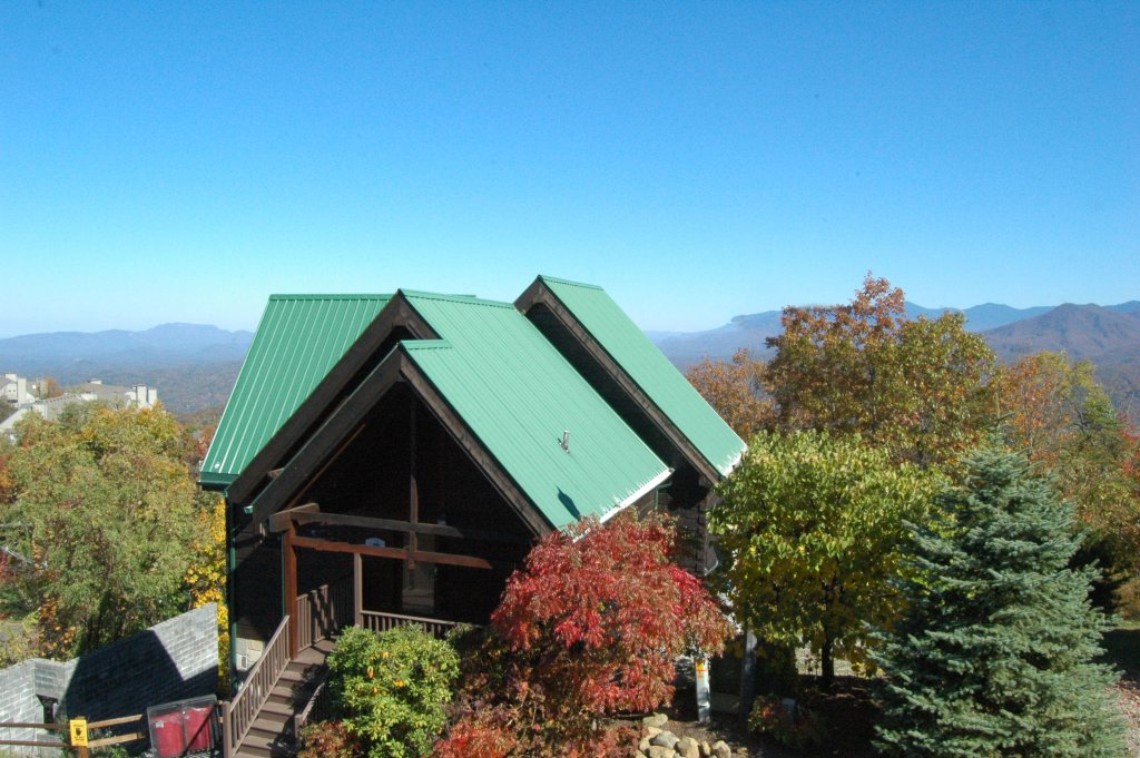 Photo of a Gatlinburg Cabin named Eagle's Nest #379 - This is the first photo in the set.