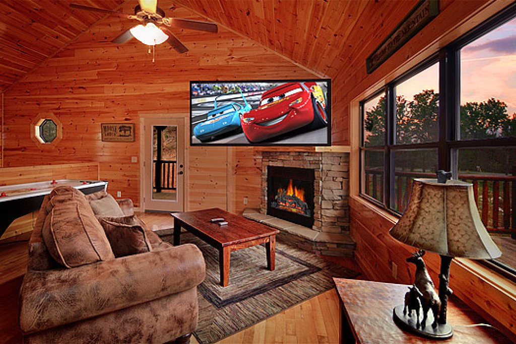 Photo of a Gatlinburg Cabin named Southern Comfort - This is the second photo in the set.