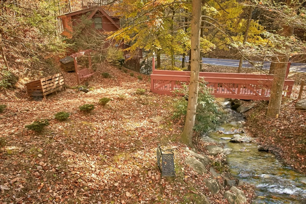 Photo of a Gatlinburg Cabin named Bear Creek - This is the thirty-fifth photo in the set.