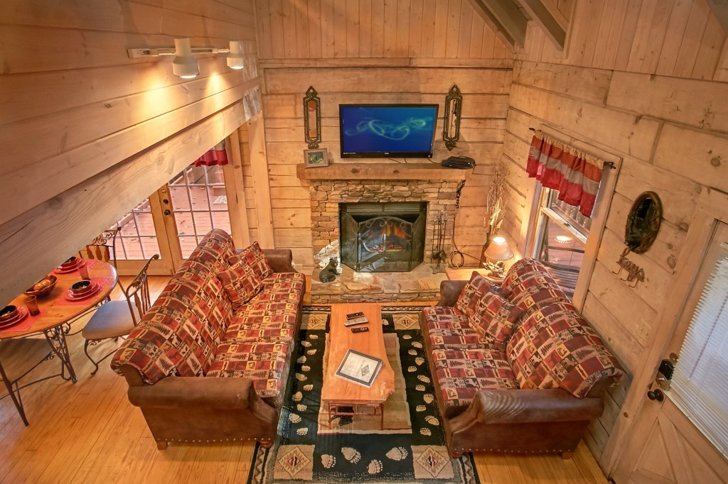 Photo of a Gatlinburg Cabin named Bear Creek - This is the thirty-ninth photo in the set.