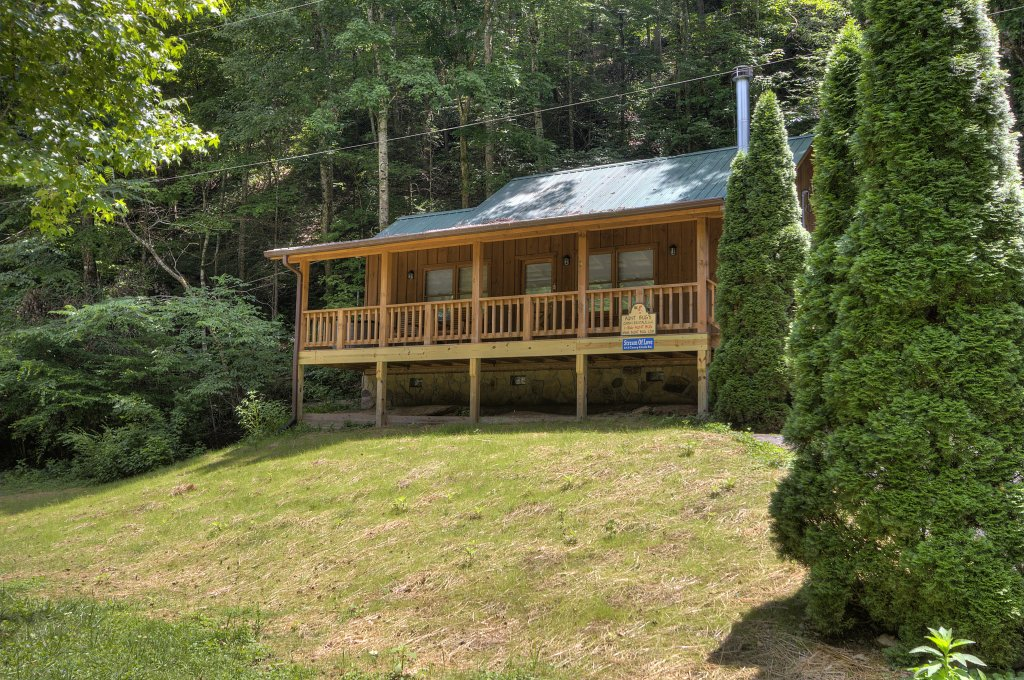 Photo of a Pigeon Forge Cabin named Stream Of Love #374 - This is the fourth photo in the set.