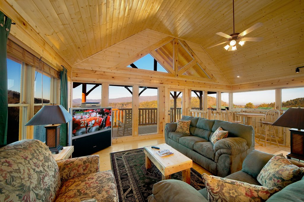 Photo of a Sevierville Cabin named Awesome Views - This is the fifth photo in the set.