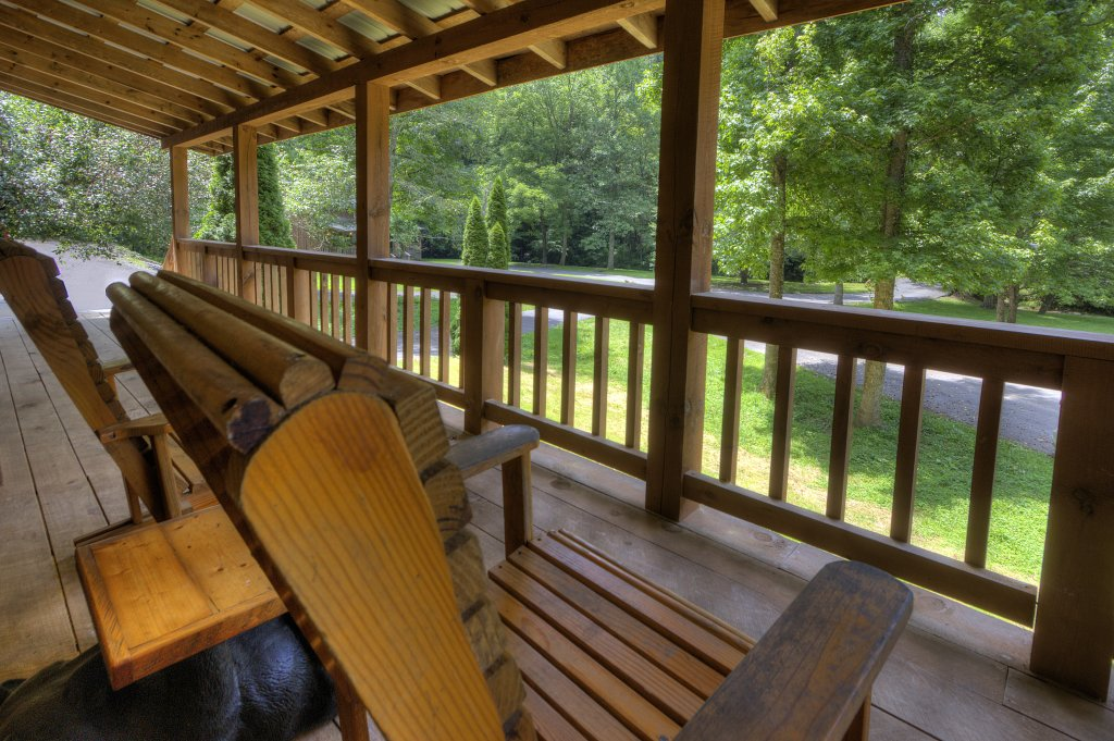Photo of a Pigeon Forge Cabin named Stream Of Love #374 - This is the twenty-second photo in the set.
