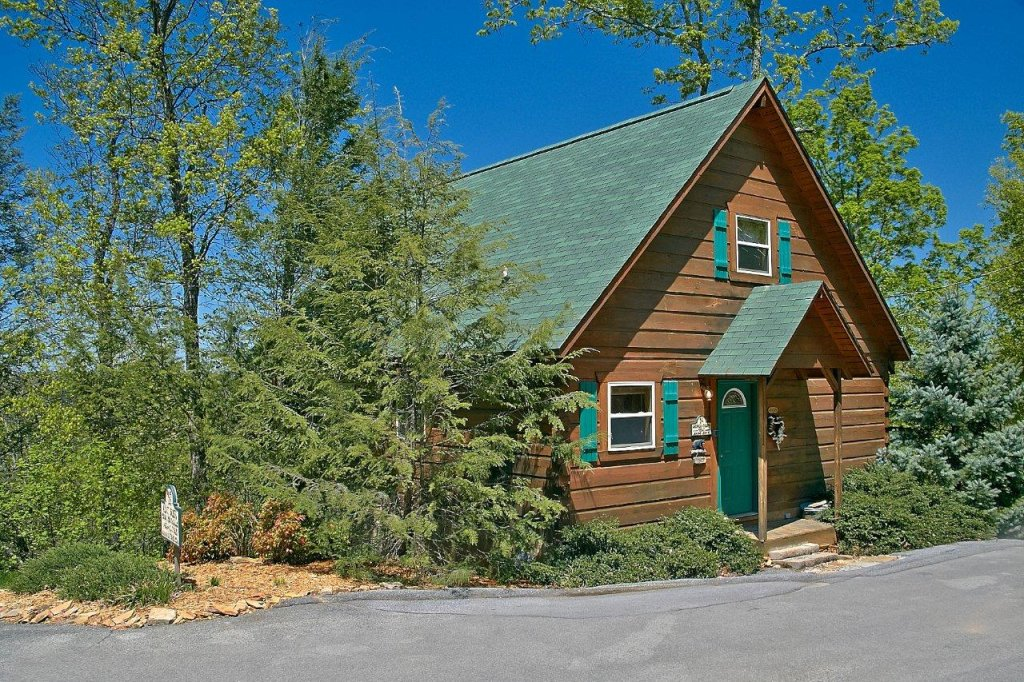 Photo of a Gatlinburg Cabin named American Dream #142 - This is the second photo in the set.