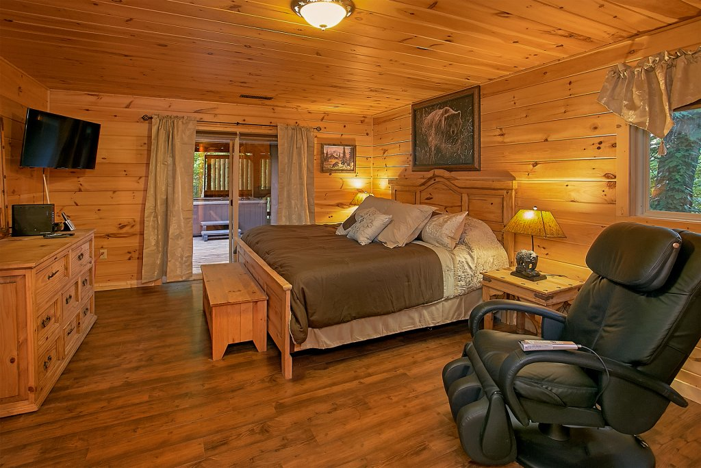 Photo of a Gatlinburg Cabin named Another Day In Paradise - This is the sixteenth photo in the set.