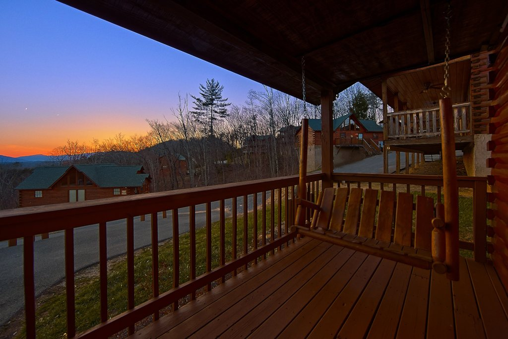 Photo of a Pigeon Forge Cabin named Buckhead #259 - This is the ninth photo in the set.