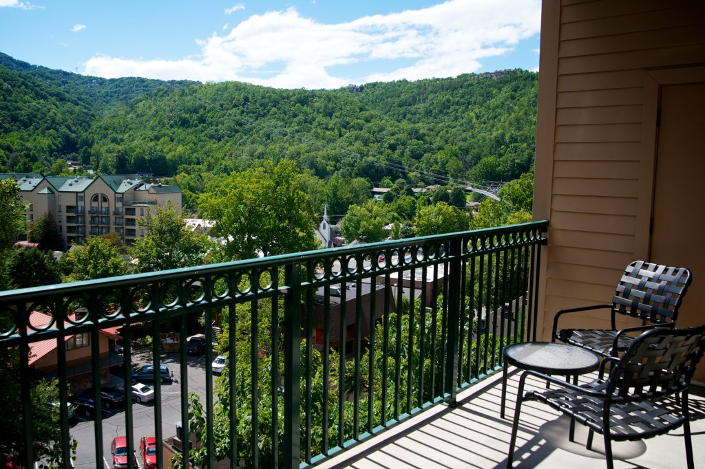 Photo of a Gatlinburg Condo named Gatlinburg Condos On Parkway - This is the second photo in the set.