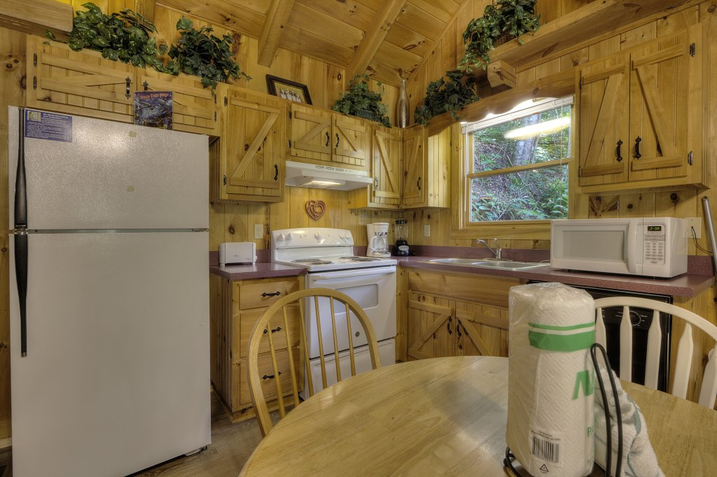 Photo of a Pigeon Forge Cabin named Stream Of Love #374 - This is the nineteenth photo in the set.