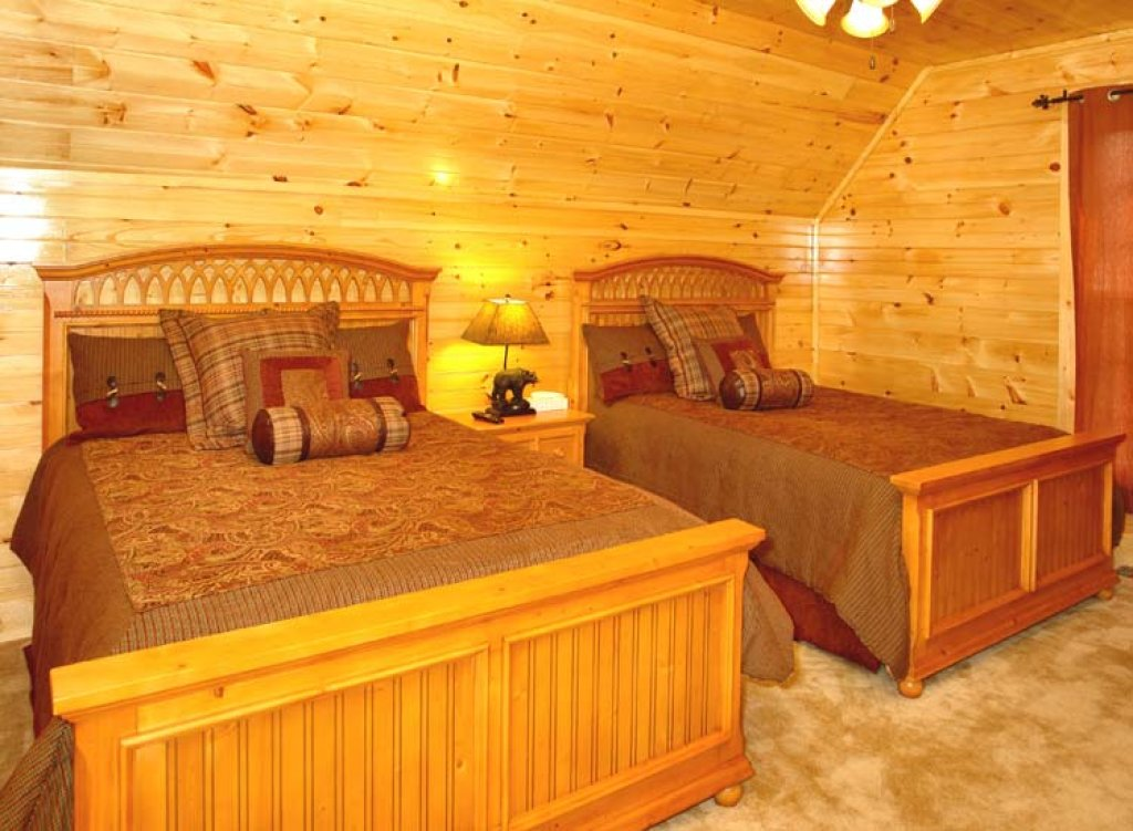 Photo of a Gatlinburg Cabin named Black Bear Hideaway Cabin - This is the sixth photo in the set.
