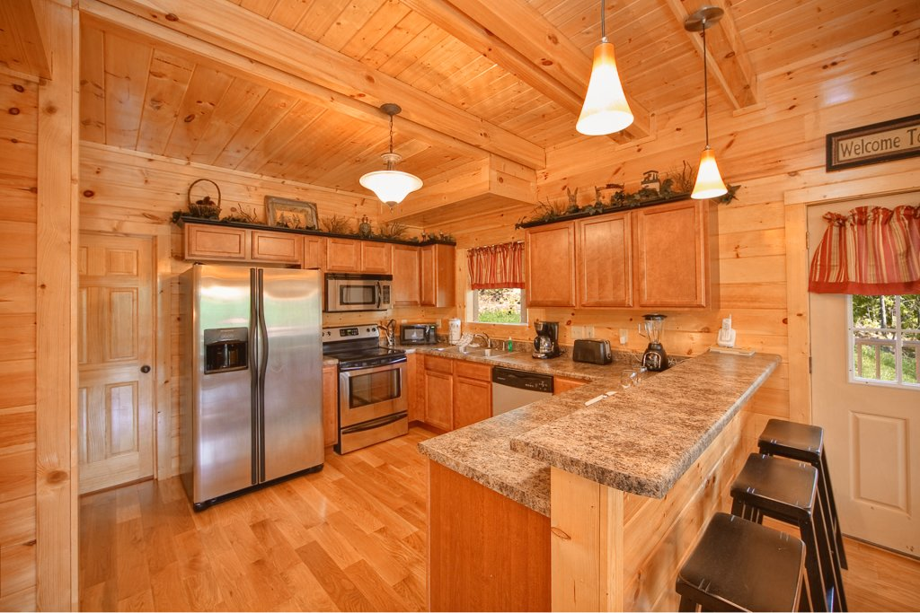 Photo of a Gatlinburg Cabin named Hilltop Hideaway - This is the eighth photo in the set.