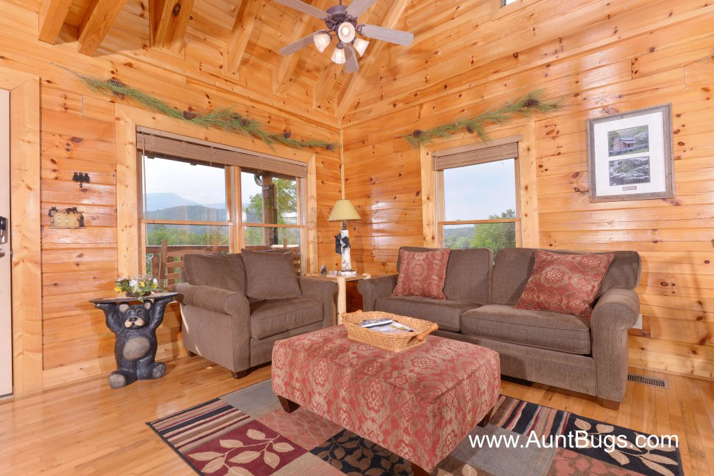 Photo of a Sevierville Cabin named Poolside Retreat #221 - This is the twenty-third photo in the set.