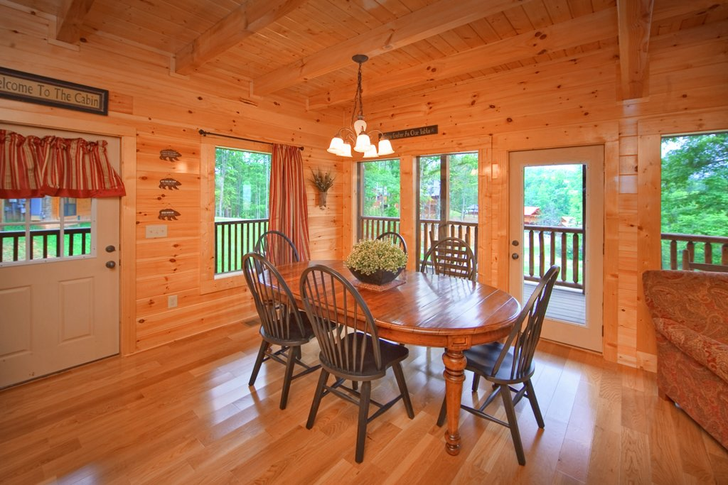 Photo of a Gatlinburg Cabin named Hilltop Hideaway - This is the ninth photo in the set.