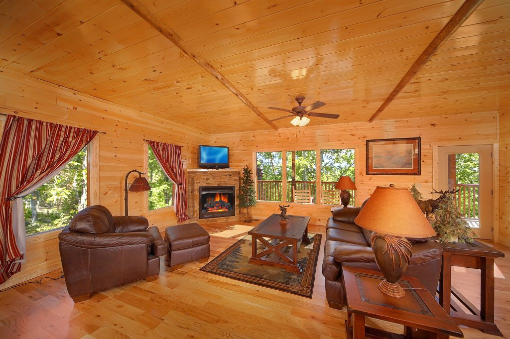 Photo of a Gatlinburg Cabin named Lumberjack Lodge - This is the twelfth photo in the set.