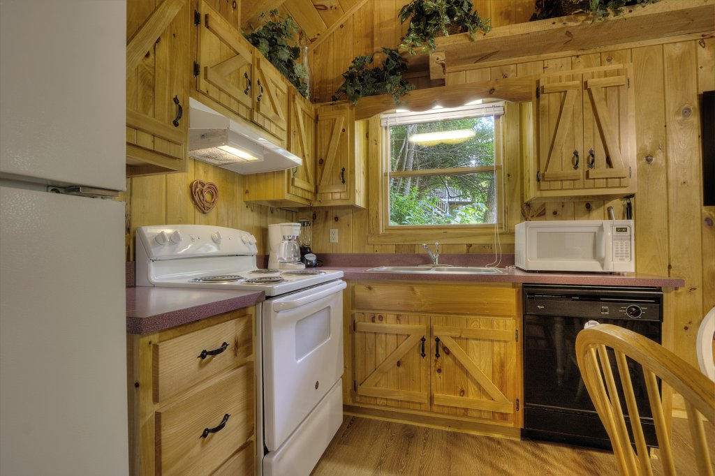 Photo of a Pigeon Forge Cabin named Stream Of Love #374 - This is the twenty-third photo in the set.
