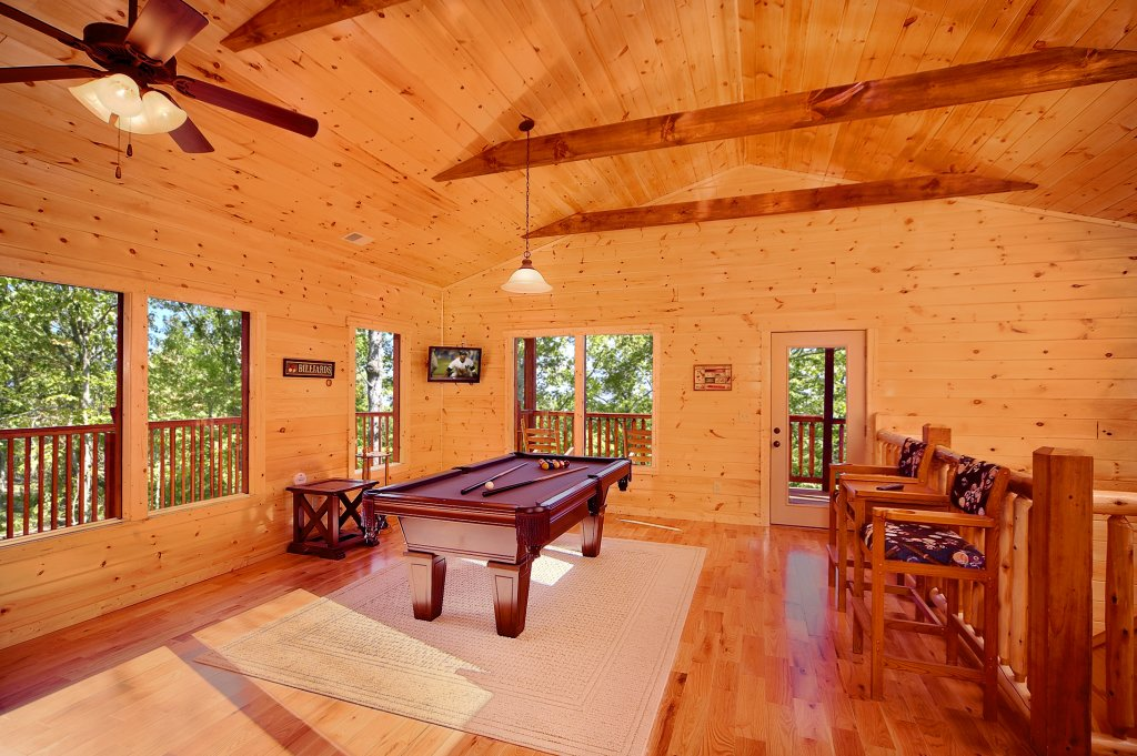 Photo of a Gatlinburg Cabin named Lumberjack Lodge - This is the second photo in the set.