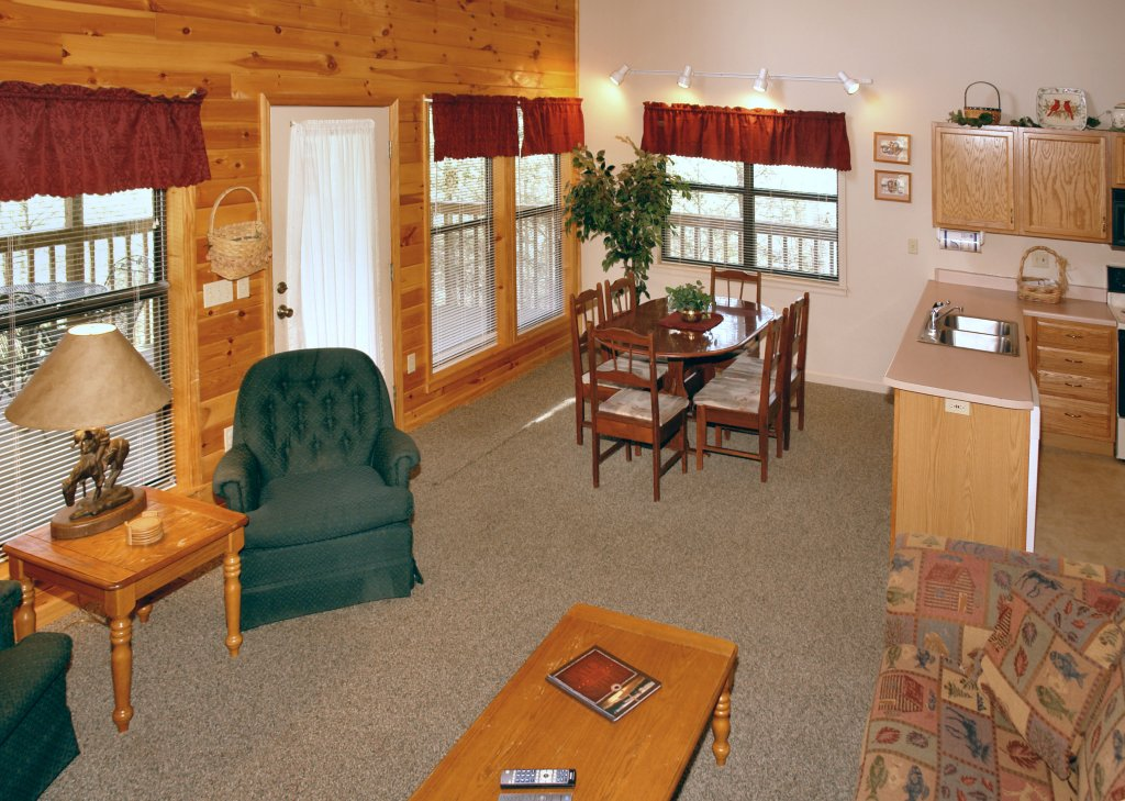 Photo of a Gatlinburg Cabin named Mountain Hideaway #338 - This is the eighth photo in the set.