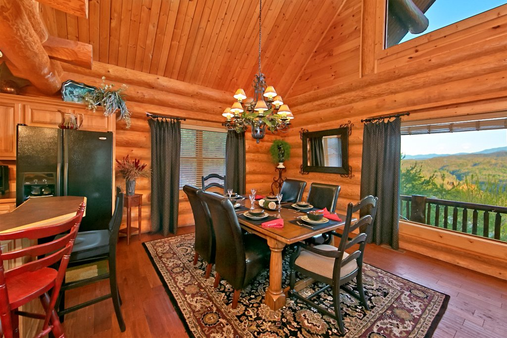 Photo of a Pigeon Forge Cabin named Mountaintop Paradise - This is the seventh photo in the set.