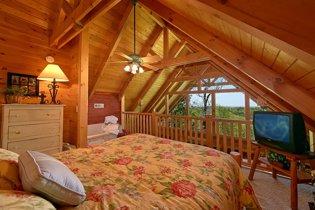 Photo of a Gatlinburg Cabin named American Dream #142 - This is the twelfth photo in the set.