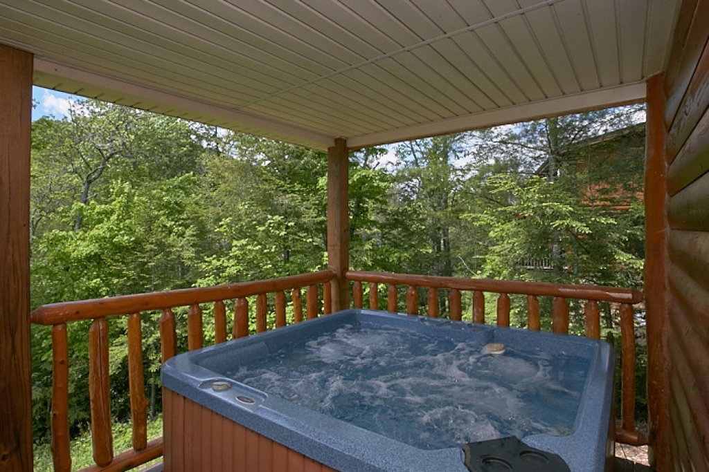 Photo of a Gatlinburg Cabin named Live, Laugh, Love Pool Lodge - This is the second photo in the set.
