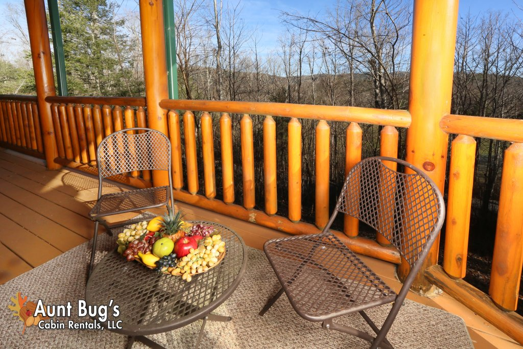 Photo of a Gatlinburg Cabin named Swimmin With Bears #375 - This is the thirtieth photo in the set.