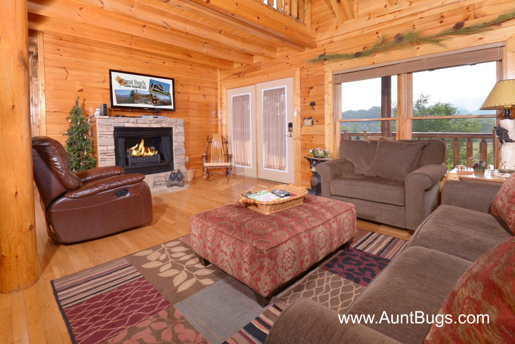 Photo of a Sevierville Cabin named Poolside Retreat #221 - This is the fourth photo in the set.