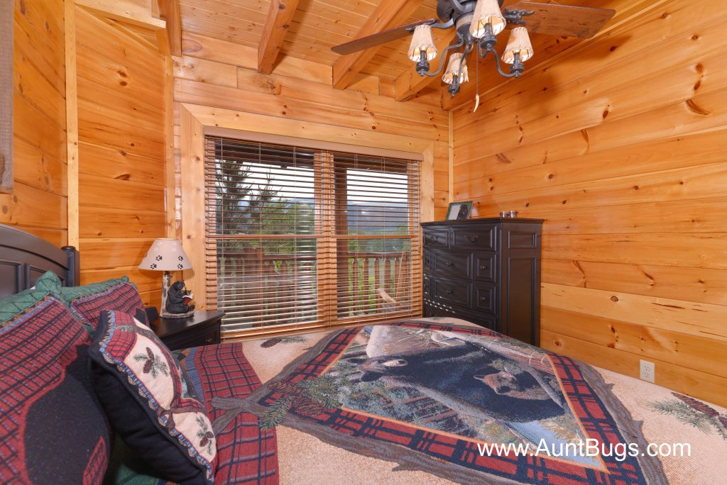 Photo of a Sevierville Cabin named Poolside Retreat #221 - This is the sixteenth photo in the set.