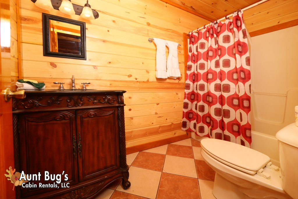 Photo of a Gatlinburg Cabin named Swimmin With Bears #375 - This is the twelfth photo in the set.