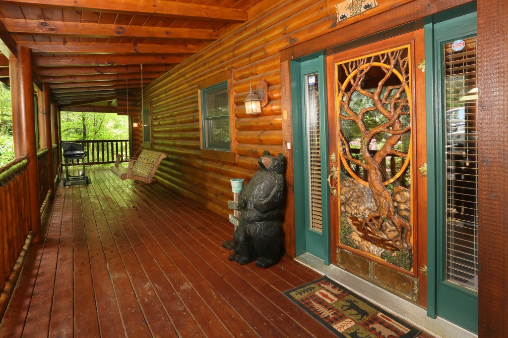 Photo of a Pigeon Forge Cabin named Black Bear Hideaway - This is the fifty-fourth photo in the set.