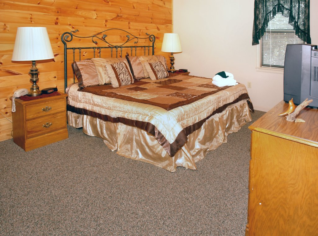 Photo of a Gatlinburg Cabin named Mountain Hideaway #338 - This is the fifth photo in the set.