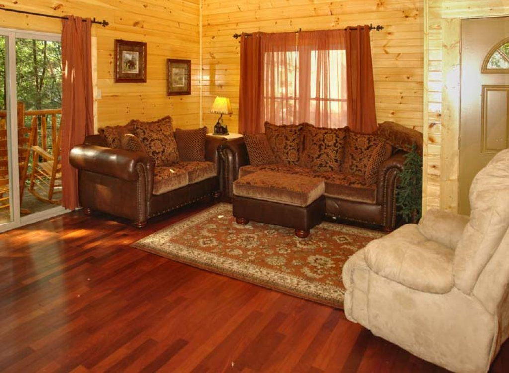 Photo of a Gatlinburg Cabin named Black Bear Hideaway Cabin - This is the third photo in the set.
