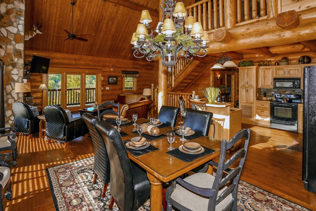 Photo of a Pigeon Forge Cabin named Mountaintop Paradise - This is the fifth photo in the set.