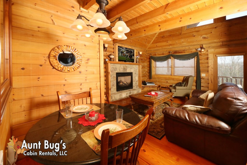 Photo of a Pigeon Forge Cabin named A Slice Of Paradise #161 - This is the twenty-first photo in the set.