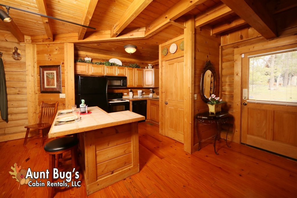 Photo of a Pigeon Forge Cabin named A Slice Of Paradise #161 - This is the fourth photo in the set.