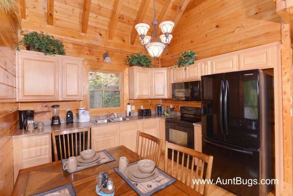 Photo of a Sevierville Cabin named Poolside Retreat #221 - This is the thirteenth photo in the set.