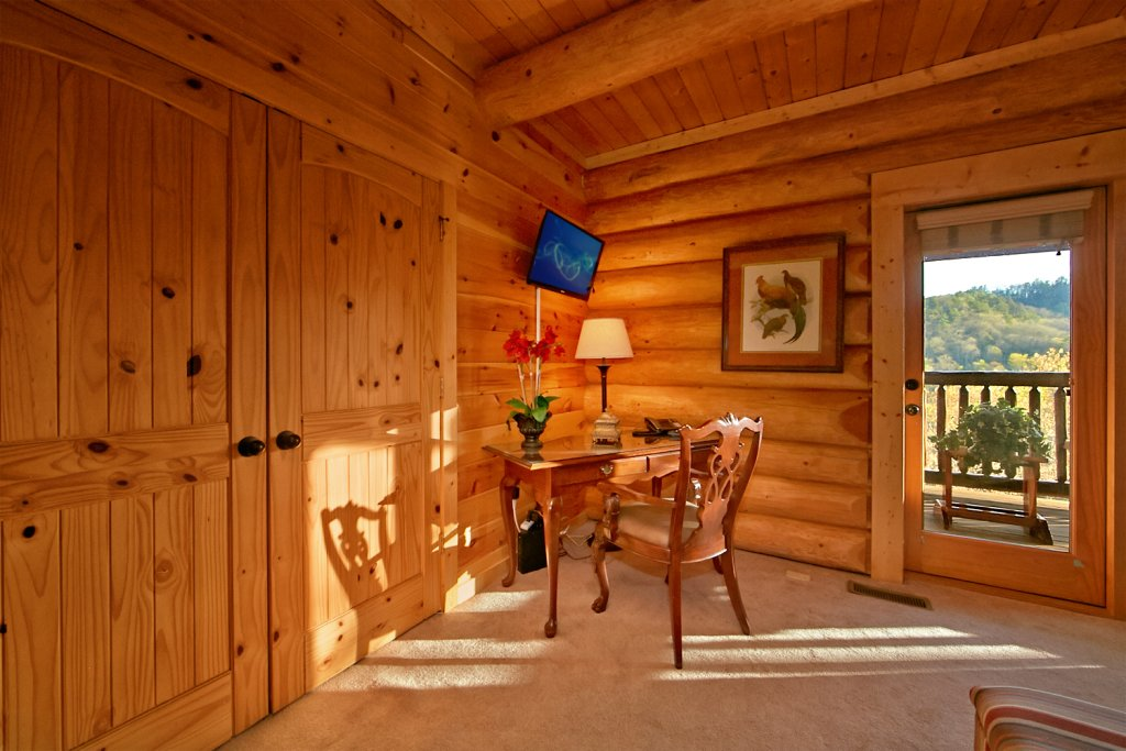 Photo of a Pigeon Forge Cabin named Mountaintop Paradise - This is the thirteenth photo in the set.