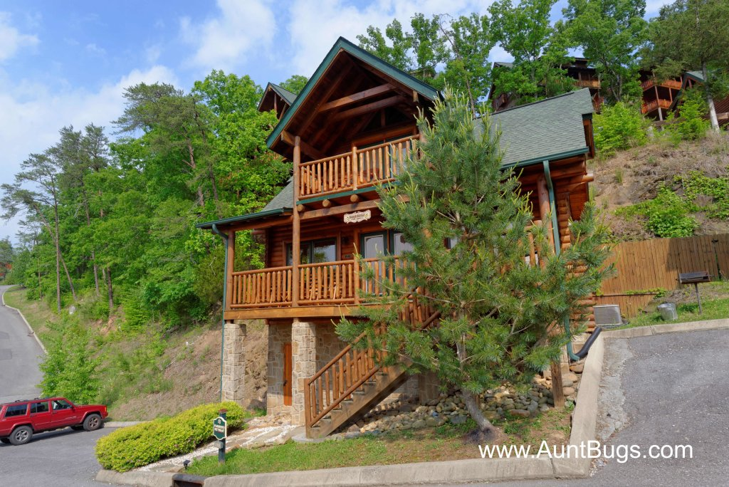 Photo of a Sevierville Cabin named Poolside Retreat #221 - This is the twentieth photo in the set.