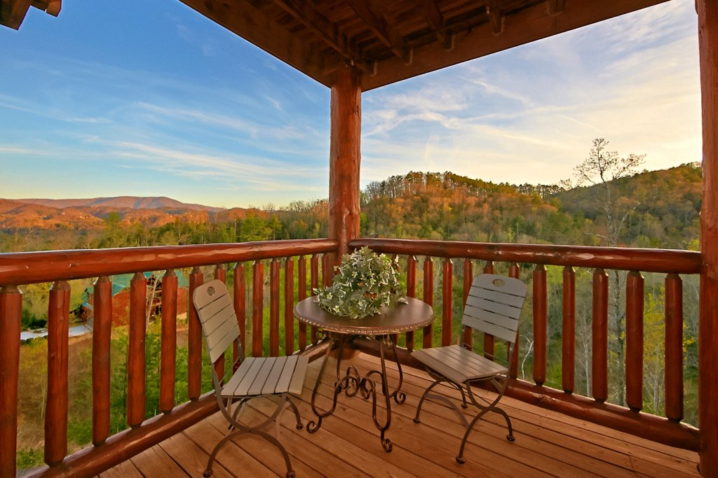 Photo of a Pigeon Forge Cabin named Mountaintop Paradise - This is the thirty-second photo in the set.