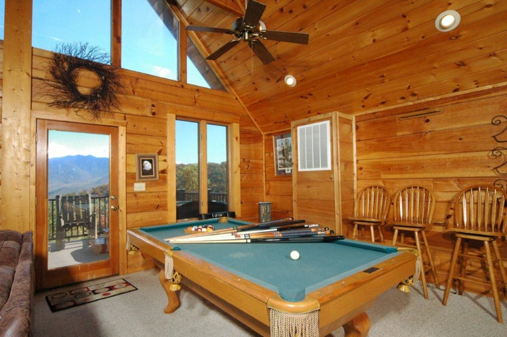 Photo of a Gatlinburg Cabin named Eagle's Nest #379 - This is the fourth photo in the set.