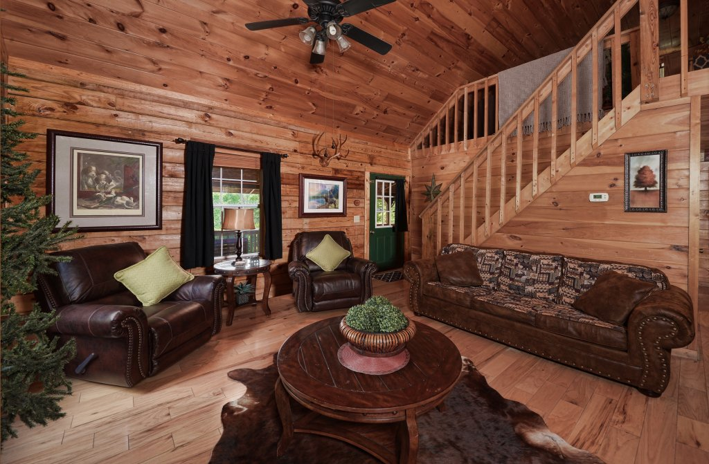 Photo of a Pigeon Forge Cabin named Serendipity - This is the third photo in the set.