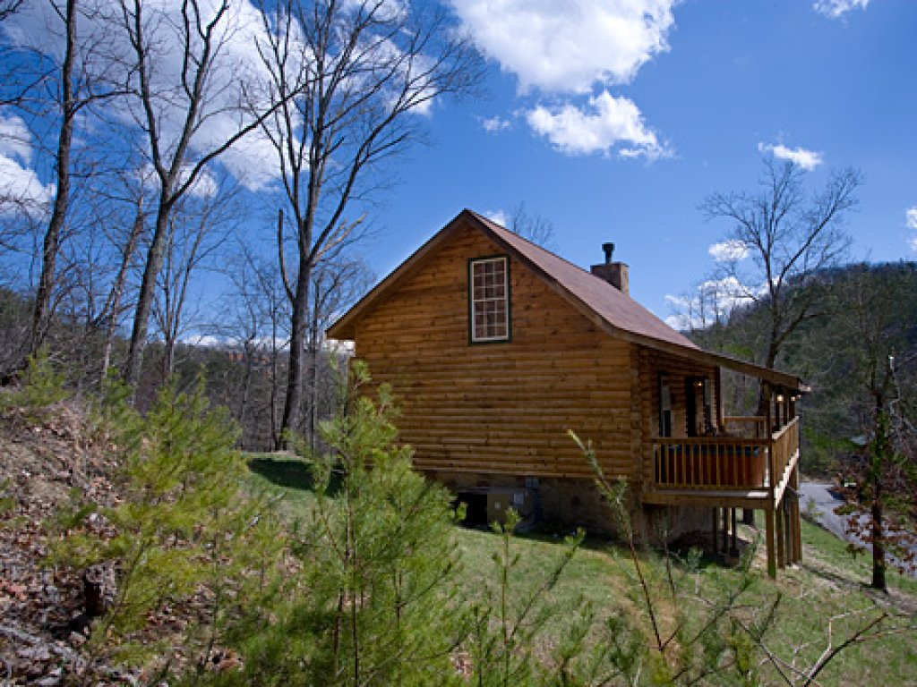 Photo of a Pigeon Forge Cabin named Serendipity - This is the thirty-third photo in the set.