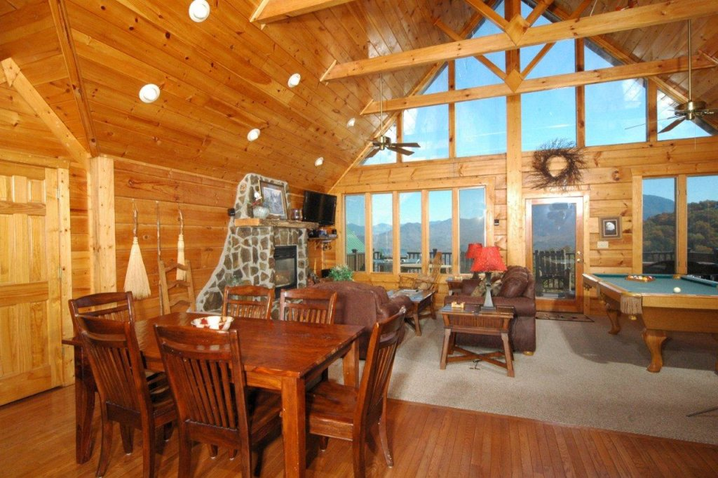 Photo of a Gatlinburg Cabin named Eagle's Nest #379 - This is the seventh photo in the set.