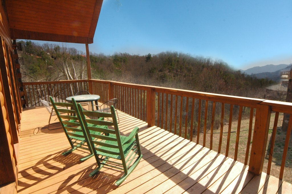 Photo of a Gatlinburg Cabin named Hillbilly Hilton #525 - This is the thirteenth photo in the set.