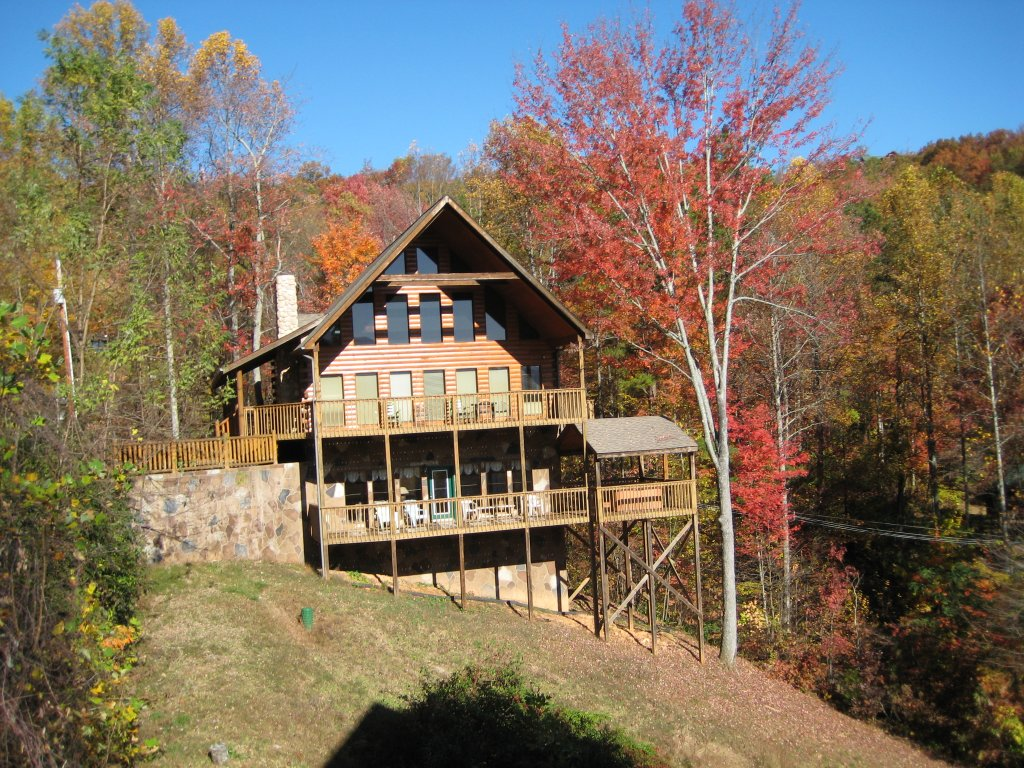 Photo of a Gatlinburg Cabin named Hillbilly Hilton #525 - This is the twenty-sixth photo in the set.