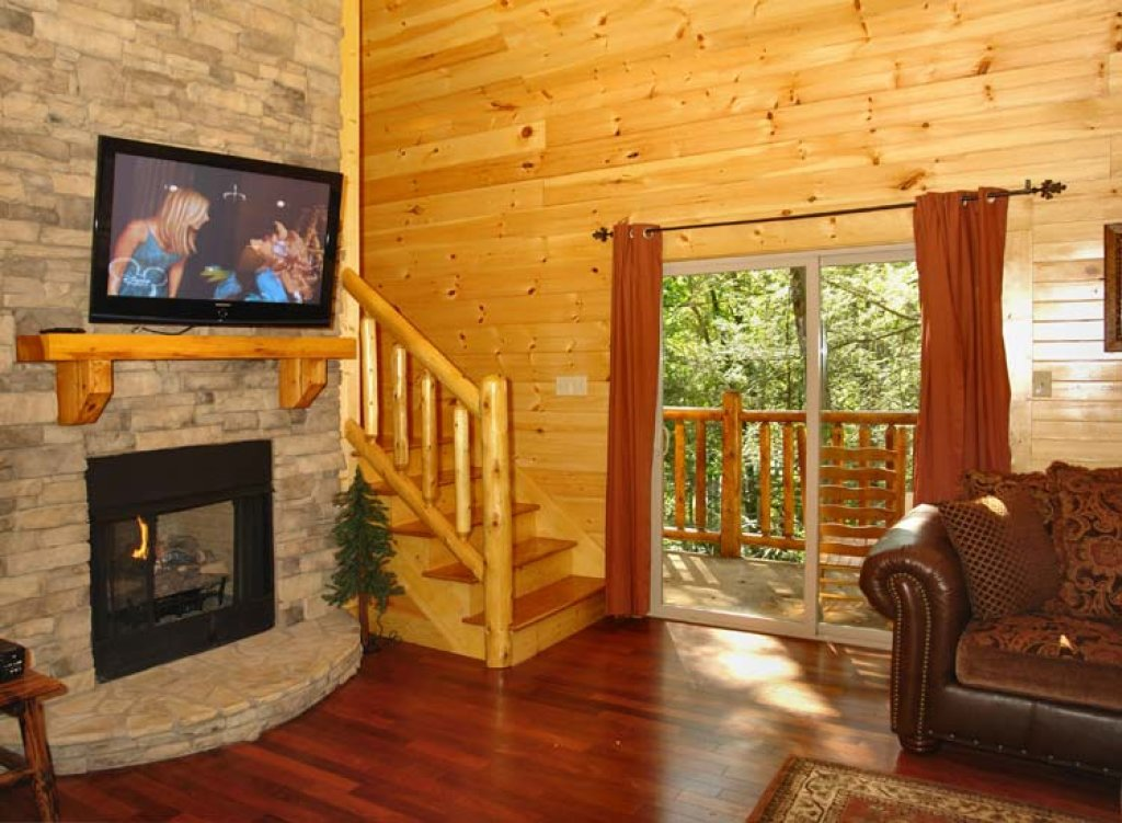 Photo of a Gatlinburg Cabin named Black Bear Hideaway Cabin - This is the fourth photo in the set.