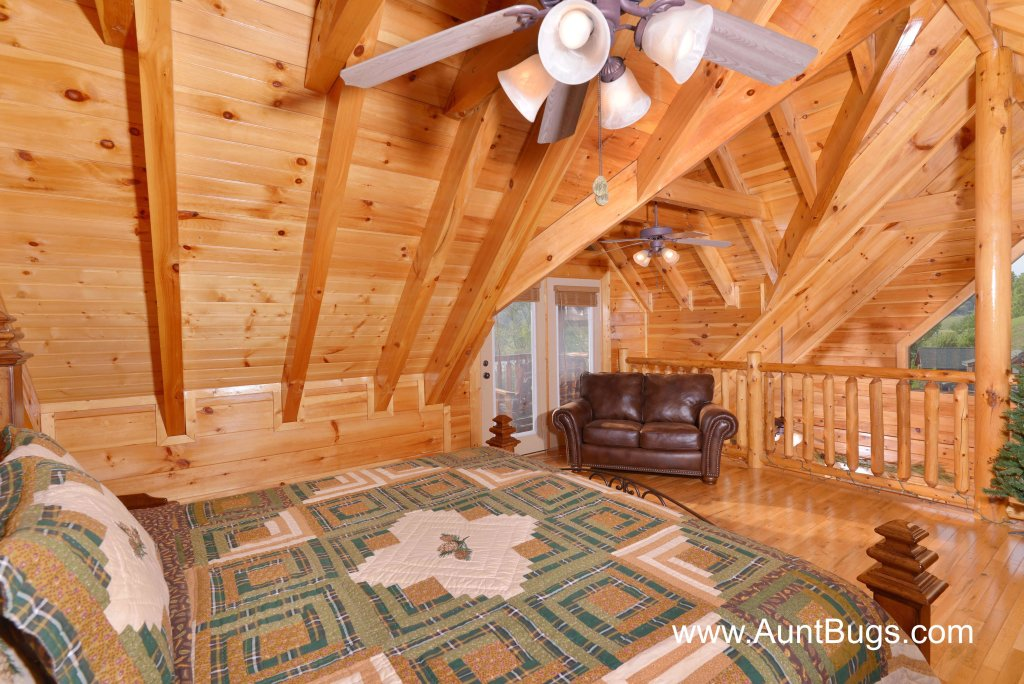 Photo of a Sevierville Cabin named Poolside Retreat #221 - This is the eighth photo in the set.