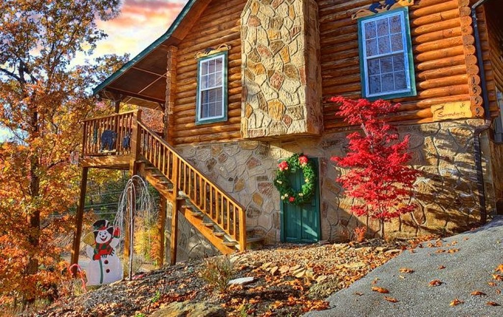 Photo of a Pigeon Forge Cabin named Serendipity - This is the thirtieth photo in the set.