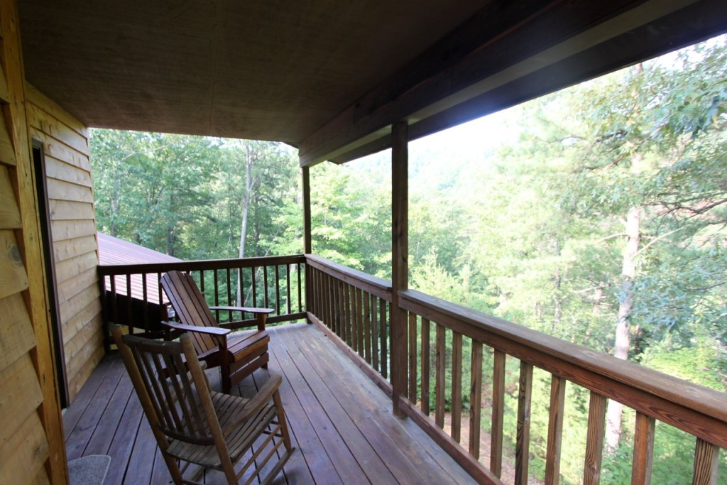 Photo of a Pigeon Forge Cabin named Woodhaven #1741 - This is the twenty-second photo in the set.