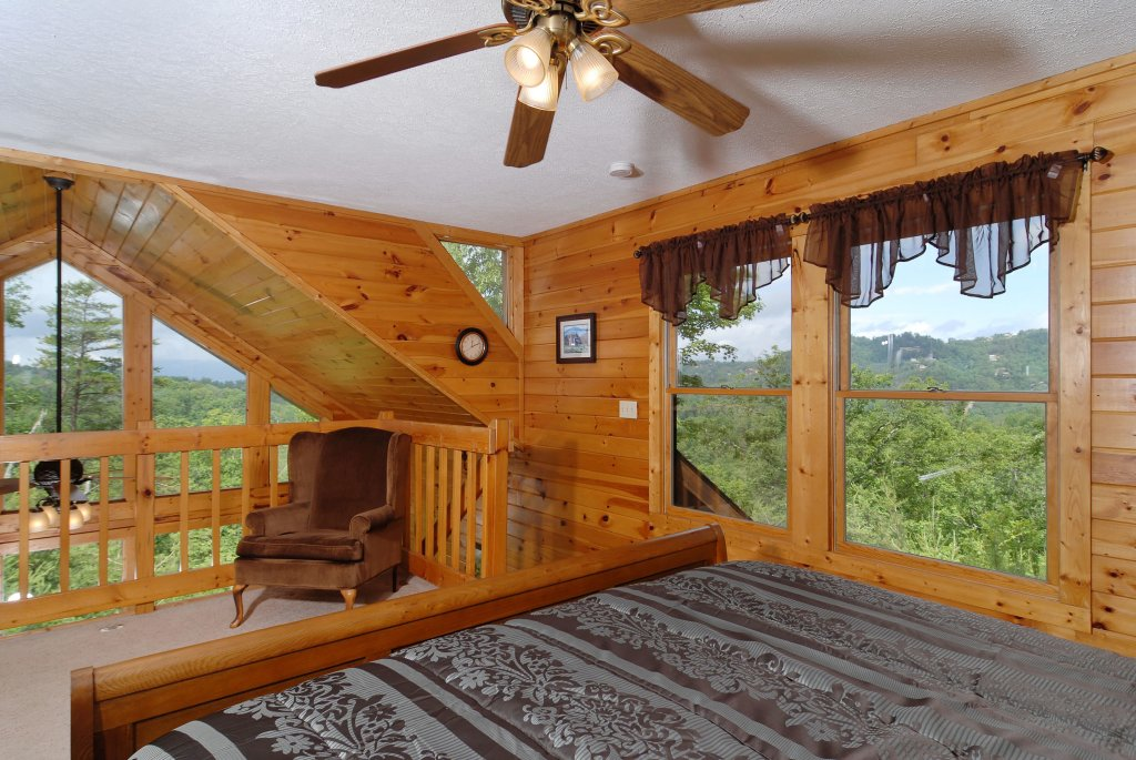 Photo of a Pigeon Forge Cabin named A Smoky Mountain Dream #291 - This is the twenty-second photo in the set.